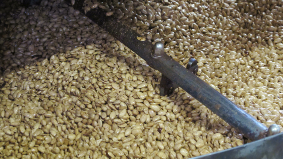 Almonds in all processing stages are transported by pneumatic suction-conveying systems at Lemke
