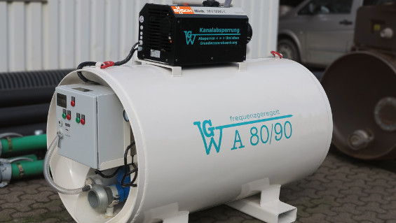 Fig. 1: The GWA 80/90 groundwater lowering system with a frequency-controlled Mink MV 0080 C claw vacuum pump from Busch