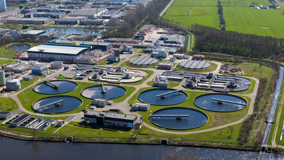 Fig. 1: RWZI Amersfoort is one of a total of eight Valei en Veluwe wastewater treatment plants that also produce electricity and artificial fertilizers as