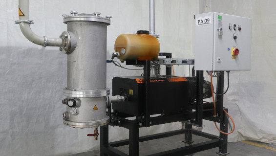 Fig. 1: One of a total of seven Plastex degassing systems at PolyComp. They are installed one floor above the extruders. Source: Busch Vacuum Solutions