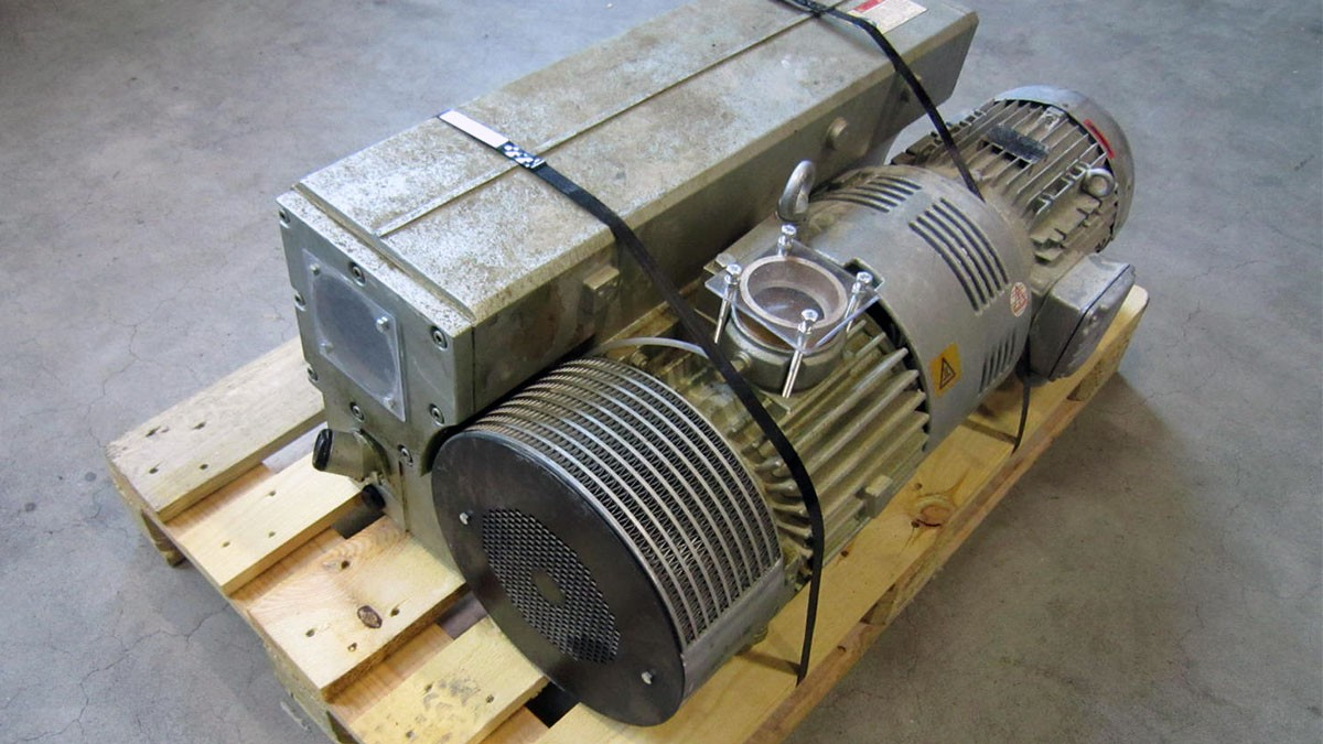vacuum_pump_before_remanufacturing